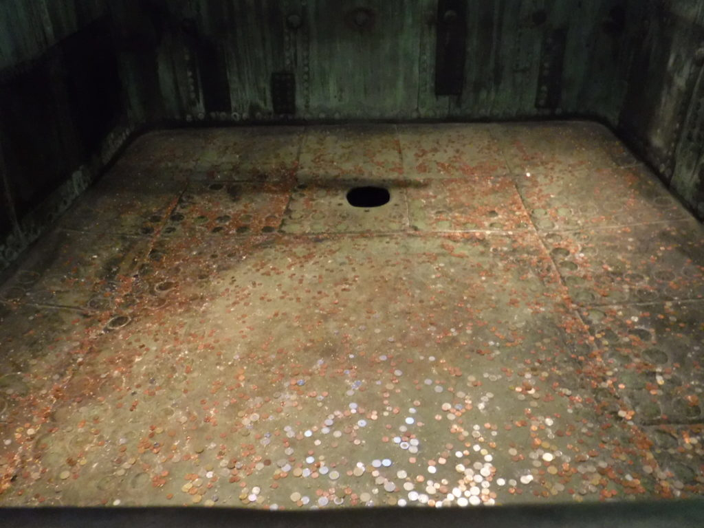 Legends say that, if you throw a coin into the original brewing vat and it lands in the hole, your girlfriend or wife will become pregnant within the year. I decided not to tempt fate...